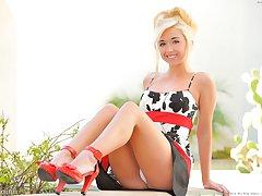 Jayde dresses up in her heels
